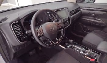 2019 Mitsubishi Outlander ES full